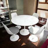 白色圆桌椅3D模型
