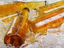 冰镇啤酒高清图片4