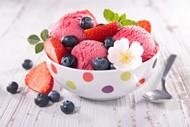 草莓冰激凌图片