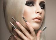 长指甲金属美甲图片