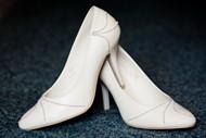 白色婚鞋图片