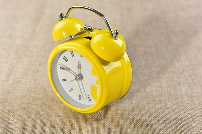 黄色小闹铃图片