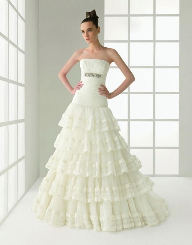 欧美白色婚纱美女图片