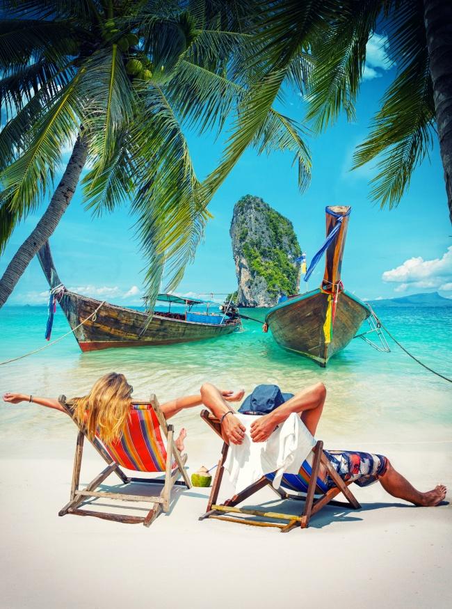 唯美海边度假情侣图片