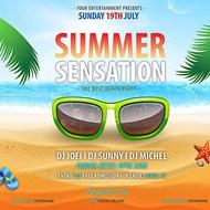 夏季沙滩活动海报矢量图片