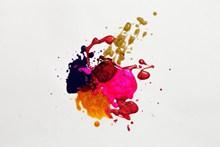 彩色颜料喷溅高清图片