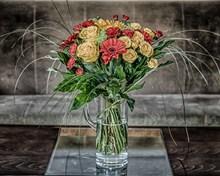 花瓶花束插花图片