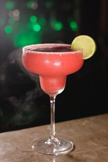 粉红色鸡尾酒图片素材