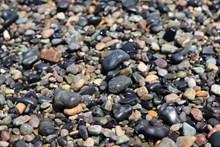 海滩光滑石子图片下载