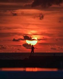 傍晚夕阳红美景高清图片