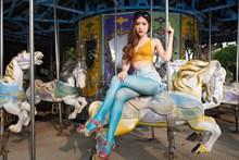 亚洲女人体丝袜高清图片