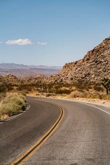 弯曲的公路图片素材