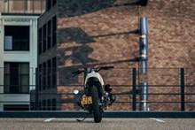 复古摩托车街车高清图片