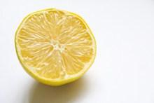 半个黄色柠檬精美图片
