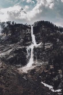 高山流水瀑布风景图片下载