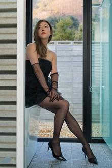 女优人体黑色丝袜美女图片大全
