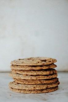 巧克力豆香脆饼干图片素材