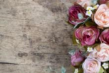 玫瑰花边木板背景图片