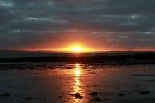 太阳升起日出风景高清图