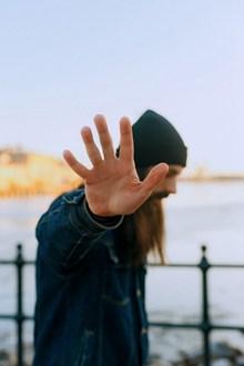 表示拒绝的手势图片素材