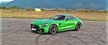 奔驰绿色轿车 奔驰绿色轿车大全图片