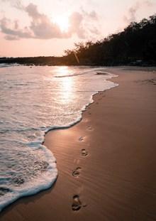 日落海边沙滩风景图片下载