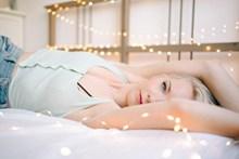 床上欧美人体写真图片