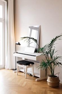 白色钢琴高清高清图