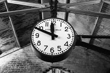 经典黑色时钟图片素材