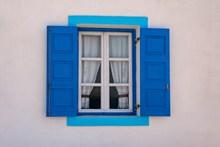 墙壁蓝色窗户图片