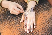 手部花纹刺青图案图片下载