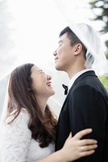 中韩情侣婚纱高清图片