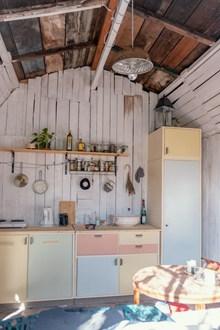 木屋厨房内景高清图