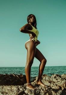 S身材黑人美女人体艺术图片素材