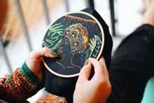 手工刺绣高清图片