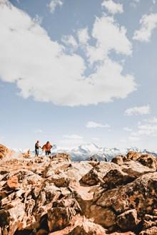 登山徒步旅行高清图片