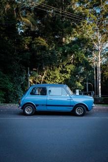 小型蓝色汽车图片下载