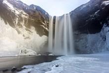冰雪融化瀑布图片大全