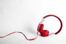红色耳机图片素材