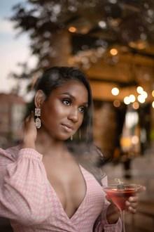 丰满黑人美女高清图片