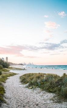 白色沙滩海边图片素材