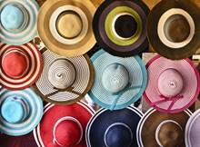 五彩缤纷的帽子高清图片