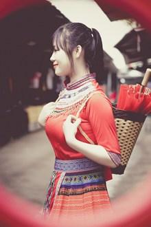 少数民族美女图片下载