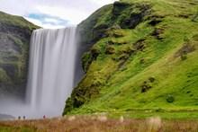 垂直大瀑布景观图片下载