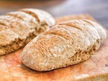 全麦谷物面包图片