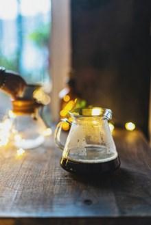 手工研磨咖啡高清图片