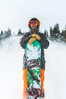 滑雪运动员图片素材