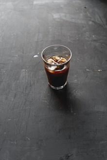 冰镇可乐水图片