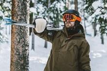 欧美滑雪帅哥图片下载