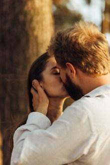 欧美浪漫接吻高清图